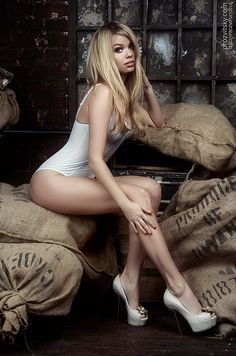 Sergey Prozvitsky is using the world's most passionate photo sharing community. Hot Blondies, Photo Viewer, Russian Models, Glamour Photography, Sexy Legs, Female Bodies, Sexy Women, Celebs, Tops