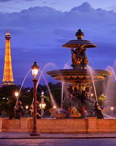 Blue Hour @ Place de la Concorde  Fontaine des Mers & Tour Eiffel, Place de la Concorde, Paris, France (HDR)