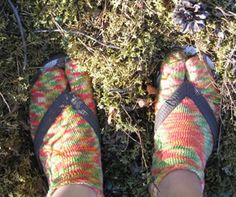 Ulla 02/06 - Ohjeet - Havaianas Tabi High Socks, Knitting, Clothes, Fashion, Outfits, Moda, Thigh High Socks, Clothing, Tricot