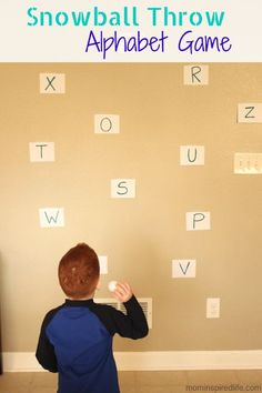 Use sight words instead letters for Pax Snowball Throw Winter Alphabet Game. Active winter letter learning activity for preschoolers! Preschool Literacy, Preschool Lessons, Literacy Activities, Toddler Activities, Preschool Winter, Physical Activities, Therapy Activities, Movement Activities, Learning Letters