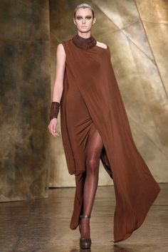 The complete Donna Karan Fall 2013 Ready-to-Wear fashion show now on Vogue Runway.