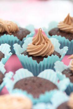 Chokladcupcakes med mjölkchokladfrosting   Bakverk och Fikastunder