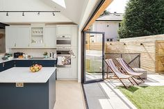 A low threshold for a bifold or sliding door is great way of ensuring a seamless connection with the outdoors. Take a look at our 15 genius design ideas for bringing the outside in via the link in bio . Photo: Simon Maxwell . #homebuilding #selfbuild #modern #homeideas