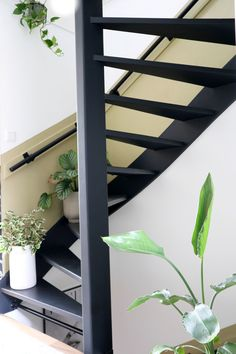 Loft Staircase, House Stairs, Hallway Inspiration, Interior Inspiration, Open Trap, Home Upgrades, Wooden House, Hacks Diy, Stairways