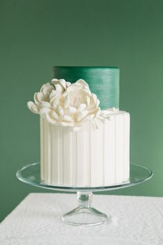 Emerald Wedding Cake with Dahlia Sugarflower