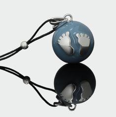 Χειροποίητο Κόσμημα εγκυμοσύνης Bola – Μπλε ραφ με ασημένια πατουσάκια->Κοσμήματα- μουσικά μενταγιόν εγκυμοσύνης bola (με πολύτιμα υλικά) - Pregnancy Gifts - Εγκυμοσύνη, Μητρότητα, Βρεφικά είδη & Βάπτιση - www.pregnancy-gifts.gr