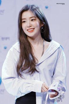 Kpop Girl Groups, Kpop Girls, Fashion Models, Fashion Show, Women's Fashion, Red Velvet Irene, Velvet Fashion, Seulgi, Ulzzang Girl