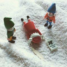 """Santa?"" #playmobil #playmo #iloveplaymo #toystagram #instatoy"