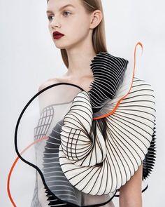 Noa Raviv's 3D-printed fashion collection#design #fashion #3dprinting by annashen1022