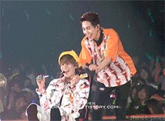 Onew dumps baby Taemin