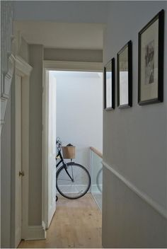 Farrow and Ball Cornforth White and Strong White. Modern Country Style: Farrow and Ball Cornforth White Colour Study. Click through for full details! Country Decor, House Styles, Hallway Ideas Diy, Cornforth White, Modern Country Style, Modern, Home Decor, Decor Styles, Hallway Decorating