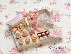 20130616220056dc0.jpg (beautiful miniature cakes and confection from Petit Fleur)
