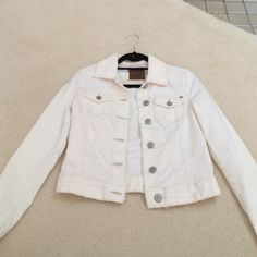 White Denim Jacket White denim jacket with pockets, perfect to match with any outfit! Barely worn! Garage Tops