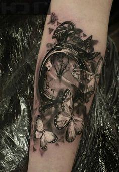 Tattoo 3D Uhr mit Schmetterlingen