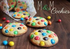 Miss Blueberrymuffin's kitchen: M&M cookies – when things get colorful! More from my siteBEST M&M Cookies!M&M cookiesDouble Chocolate Chip M&M Cookies M M Cookies, Cookies Et Biscuits, Oatmeal Cookies, Sugar Cookies, Cookies Vegan, Cookie Recipes, Snack Recipes, Snacks, Easy Smoothie Recipes