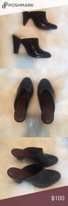 Gianni Bini Black Clogs Black clogs with genuine soft leather | NWOT Gianni Bini Shoes Mules & Clogs