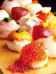 if I could have salmon roe on rice balls with a soy sauce and a side of dumplings and raman, ohhh dream come true!