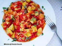 Tocăniță de dovlecei Vegetable Recipes, Meat Recipes, Recipies, Cooking Recipes, European Dishes, Avocado Salad Recipes, Romanian Food, Bruschetta, Zucchini