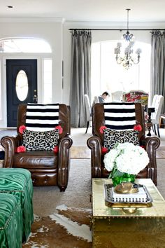 HOW TO VISUALLY LIGHTEN UP DARK LEATHER FURNITURE      How to work with leather furniture      leather sofa