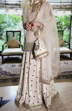 Pakistani Fashion Party Wear, Pakistani Wedding Outfits, Pakistani Dress Design, Pakistani Dresses, Indian Dresses, Indian Outfits, Desi Wedding Dresses, Asian Wedding Dress, Kids Party Wear Dresses