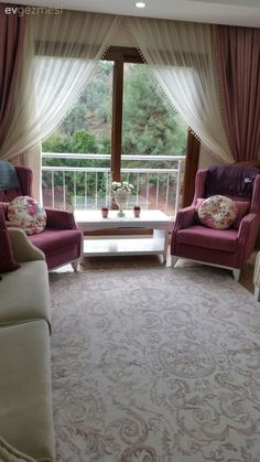 After the well-liked cuisine and kitchen layout of the star lady, the house is . - Home Design Living Room Decor Curtains, Interior Design Living Room, Living Room Designs, Bedroom Decor, Colourful Living Room, Elegant Living Room, Cocina Shabby Chic, Boho Home, Diy Furniture Projects