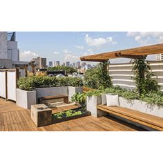 Garden with decking roof terrace design, house roof, garden bridge, rooftop Rooftop Terrace Design, Rooftop Deck, Terrace Garden, Rooftop Gardens, Terrace Ideas, Water Garden, Garden Stairs, Sky Garden, New York Rooftop