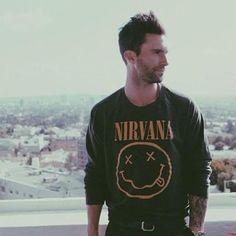 Adam Levine Maroon 5 hombres con estilo Nirvana                                                                                                                                                                                 More
