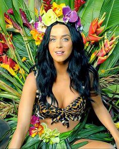 i love dark hair blue eyes and tan skin