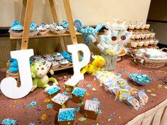 Letras de madera JP, chocolates, bombones y cheesecakes