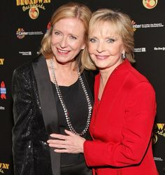 The six actors who played the rambunctious 'Brady Bunch' siblings on the hit sitcom paid tribute to TV mom Florence Henderson, who died on Thursday, November 24 — read Ann B Davis, 70s Sitcoms, Eve Plumb, Florence Henderson, Maureen Mccormick, Tv Moms, The Brady Bunch, Old Tv, Classic Tv