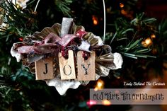 Old Tart Tin Ornaments, DIY and Crafts, Lady Behind The Curtain - Old Tart Tin Christmas Ornament. Christmas Ornaments To Make, Homemade Christmas, Christmas Projects, All Things Christmas, Holiday Crafts, Christmas Holidays, Christmas Wreaths, Christmas Decorations, Primitive Christmas