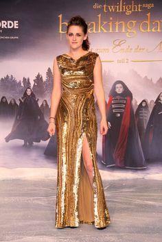 Kristen Stewart wears gold Elie Saab in Berlin...love her she's stunning