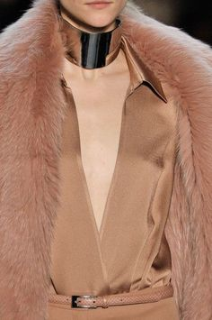 Michael Kors at New York Fashion Week Fall 2011 - Details Runway Photos Fashion Colours, Colorful Fashion, Sandstone Color, Michael Kors Fall, Copper And Pink, Spring 2015 Fashion, Autumn Fashion, Gold Color Palettes, Colors For Skin Tone