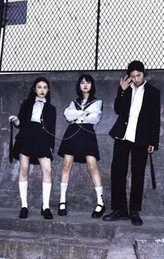 Grunge Photography, Dark Photography, Fashion Photography, Pose Reference Photo, Art Reference Poses, Harajuku, Aesthetic People, Art Poses, Foto Pose