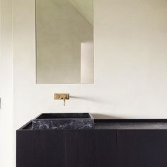 Bathroom by Benoit Viaene Get started on liberating your interior design at Decoraid https://www.decoraid.com