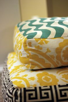 Make Giant Floor Pillows - Here's the tutorial.  Aren't they - fabulous? J