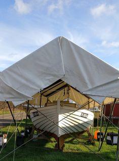 Karen hviler ud i sit telt på Bogø Havn efter sommerens sejladser. Outdoor Gear, Gazebo, Tent, December, Outdoor Structures, Transportation, Tentsile Tent, Outdoor Tools, Tents