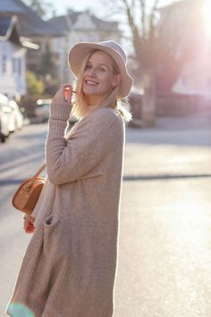 tifmys – Sweater, Earrings and Culottes: Zara | Coat: H&M | Hat: Yaya | Boots: Isabel Maran Dicker | Bag: A.P.C. Half Moon
