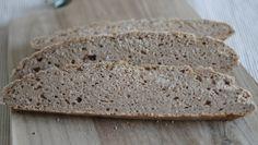 Glutenfreies Brot mit Kastanienmehl und Chiasamen Gluten Free Flour, Hashimoto, Paleo, Bread, Glutenfree, Pizza, Food, Cooking, Low Carb Bread