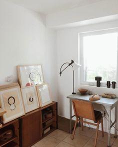 33 Minimalist Apartment Design Ideas With Maximum Function - About-Ruth Decor, Desk Inspiration, Interior, Apartment Design, Interior Inspiration, Home, Minimalist Apartment, House Interior, Interior Design