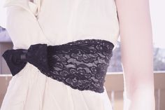 diy stretchy lace belt, perfect solution for my dress redo for upcoming wedding
