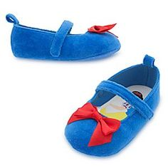 Snow White Costume Shoes for Baby | Disney Store Baby will be the fairest of them all in Snow White's sweet costume shoes. The soft velour uppers feature a red satin bow and screen art of our raven-haired princess on the footbed.