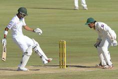Robin Peterson kicks the ball away, South Africa v Pakistan, 3rd Test, Centurion, 1st day, February 22, 2013