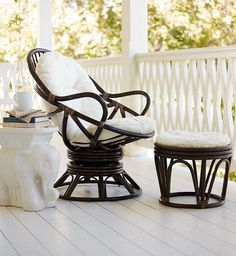 Facing the sunset, facing the TV, facing a good book, facing a friend—Pier 1's Swivel Rocker is relaxing in any direction. And the natural rattan design inspired by the classic Pier 1 Papasan makes it a good fit anywhere, too.