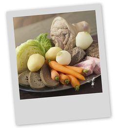 La recette traditionnelle du Kig-ha-Farz. difficile d'en trouver dans les restaurants. Si peut-être du côté du Finistère. http://leclosdumenallen.com