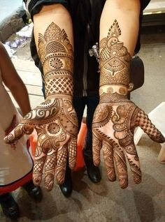 Explore latest Mehndi Designs images in 2019 on Happy Shappy. Mehendi design is also known as the heena design or henna patterns worldwide. We are here with the best mehndi designs images from worldwide. Engagement Mehndi Designs, Latest Bridal Mehndi Designs, Full Hand Mehndi Designs, Henna Art Designs, Wedding Mehndi Designs, Dulhan Mehndi Designs, Latest Mehndi Designs, Wedding Henna, Mehendi