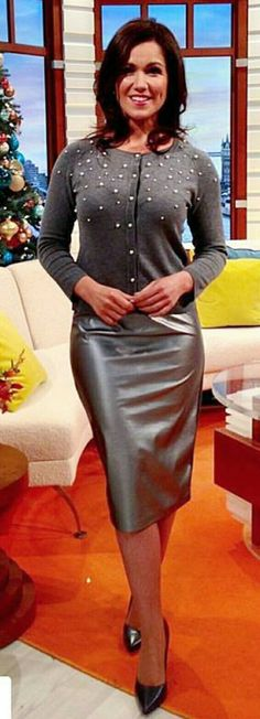 Sexy Older Women, Sexy Women, Susannah Reid, Tv Girls, Faux Leather Skirt, Leather Skirts, Celebrity Beauty, In Pantyhose, New Girl