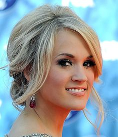 Carrie Underwood Messy Updo - Carrie Underwood Hair - StyleBistro