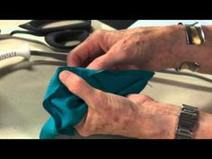 Free Video Tip: How To Sew Perfect Corners. Click: http://www.craftsy.com/ext/Pin_BP2_20121224