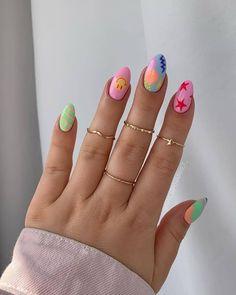 Girlish Memes & Makeups (@girlishmakeups) posted on Instagram • Apr 27, 2021 at 7:11pm UTC Cute Gel Nails, Funky Nails, Colorful Nails, Pastel Nails, Cute Easy Nails, Gradient Nails, Easy Nail Art, Cool Nail Art, Stylish Nails